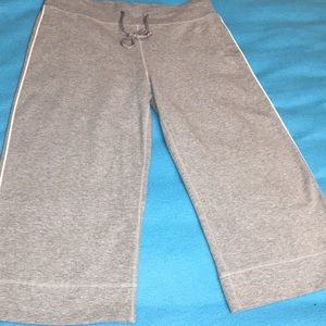 Medium Nike Capri Pants